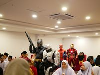 Cosplay appearance to entertain the children during the night